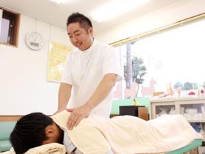埼玉県所沢市 小手指 おおば整骨院・整体院の交通事故治療の様子